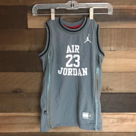 1a2758b79ad533 Jordan Other - Michael Jordan gray youth basketball jersey size M